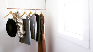 Reasons For A Minimalist Closet